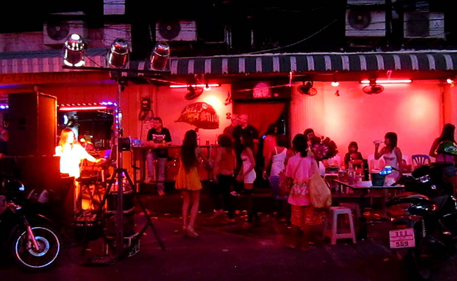 Soi 6 Corner Bar Pattaya,Halloween Attraction 2016,pattaya Beer Bar