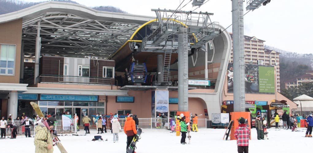Daemyung Resort Vivaldi Park Skiing Day Tour Package(Breakfast + Pick-up), skiing day tour to Daemyung Resort, Korea Vivaldi Park Skiing travel, Daemyung Resort skiing tour 2017, Vivaldi Park skiing world entrance fee, Hongcheon Daemyung Resort Skiing, where to go for skiing 2017, Kangwon Daemyung Resort Ski World, How To Get To Daemyung Resort, How To Get To Daemyung Resort From Jamsil station, Seoul Daemyung Resort Day Tour Price, Seoul Daemyung Resort Tickets, Seoul Daemyung Resort Skiing, Seoul Vivaldi Park Skiing Day Tour Korea 2016, Seoul Daemyung Resort Day Tour Booking