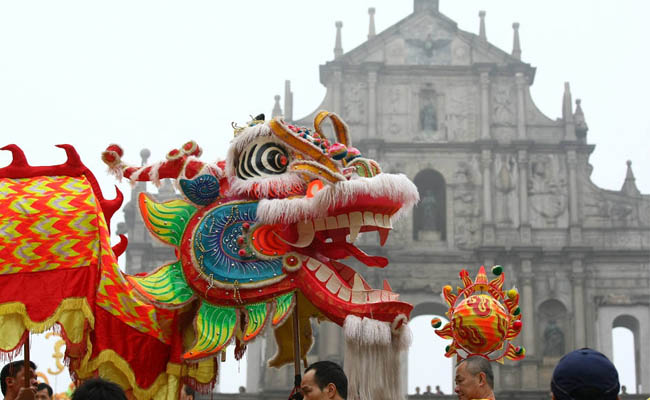Dragon Parade & CNY Parties & Celebrations in Macau 2017,Chinese New Year Dragon Parade Macau 2017,Chinese New Year Parties Macau 2017,Chinese New Year Celebration Macau 2017,What to do in Macau Chinese New Year 2017