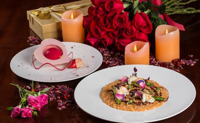 romantic valentine s date lunch at macau tower revolving restaurant