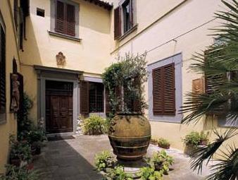 Hotel Monna Lisa Italy Q&A 2017