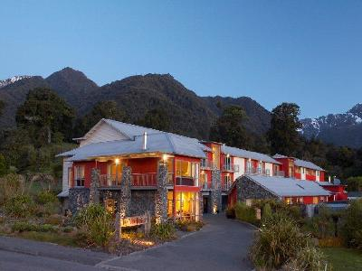 Distinction Fox Glacier Hotel