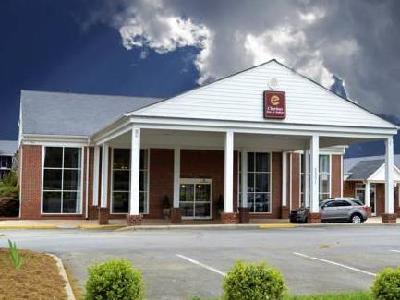 Quality Inn & Suites Williamsburg North, Premium Outlets