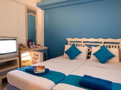 Sawasdee Banglumpoo Inn Hotel