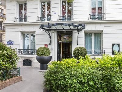 La Demeure Hotel