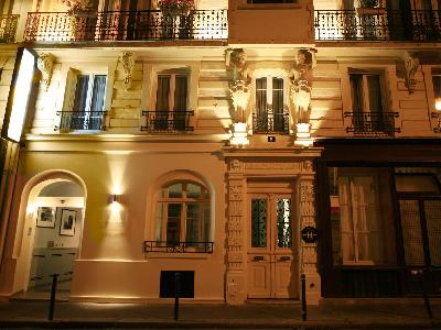 Nemours Hotel