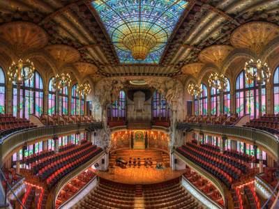 Palau de la Música Catalana in Barcelona, Spain (© Luis Davilla/age fotostock)