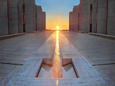 Equinox at the Salk Institute for Biological Studies, San Diego, California (© Sameer Mundkur/500px)